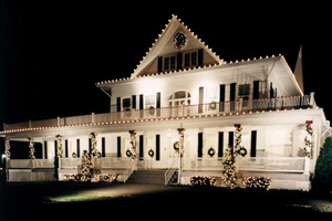 Residential Holiday Decorating And Lighting Services By